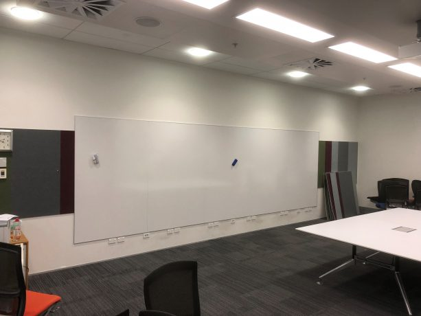 Quality-porcelain-on-steel-whiteboard